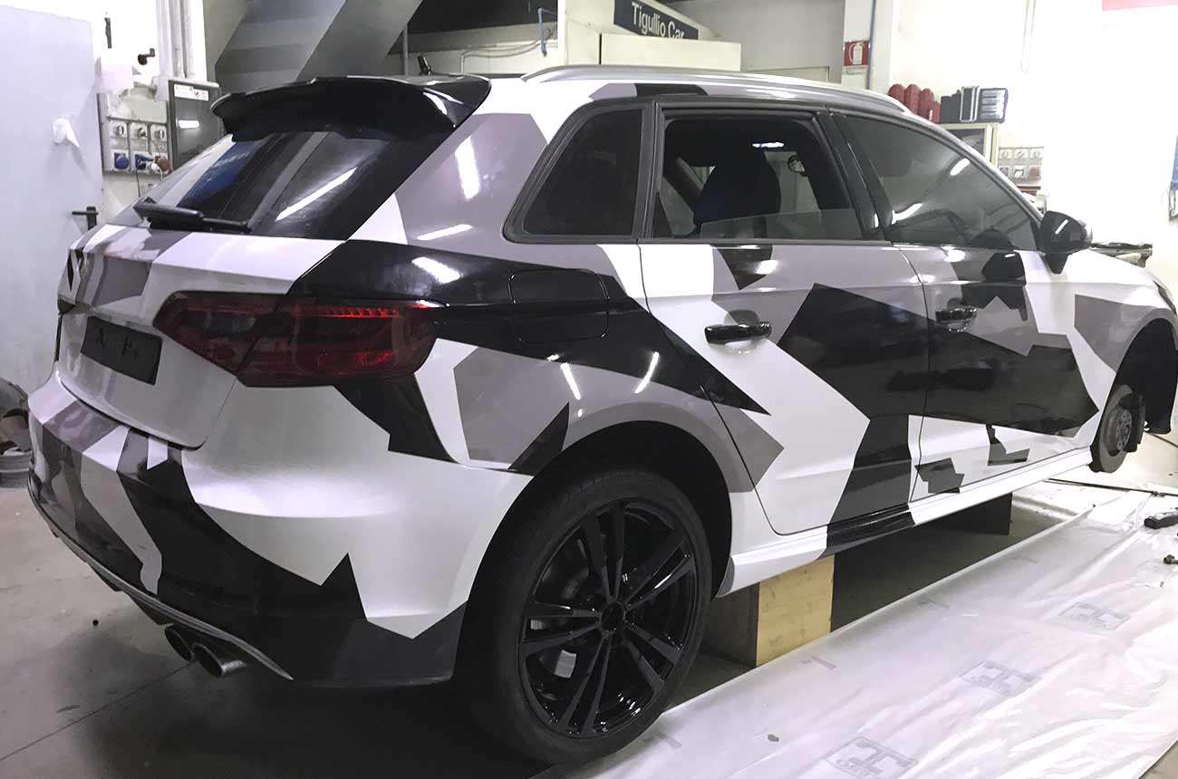 Car wrapping Audi camuflage retro destro