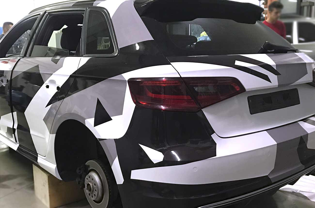 Car wrapping Audi camuflage retro sinistro