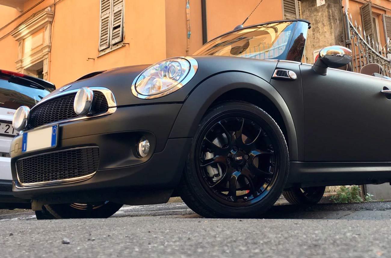 mini car wrapping nera tre quarti