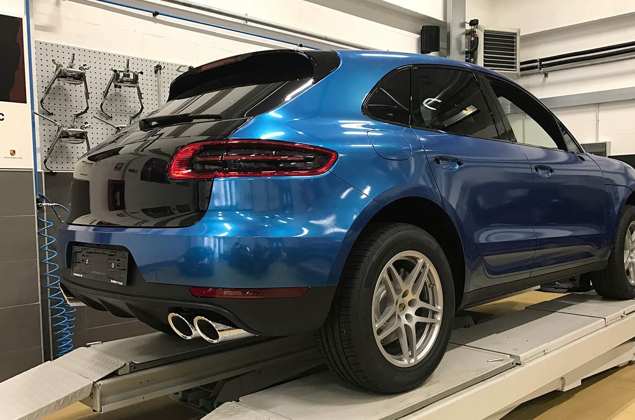 porsche cayenne blu car wrapping fronte retro nero