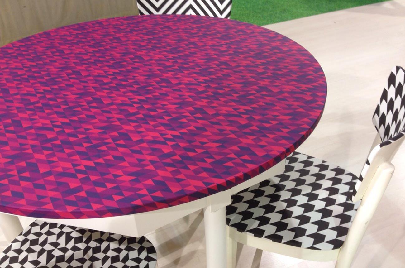 tavolo-colorato-pellicole-adesive
